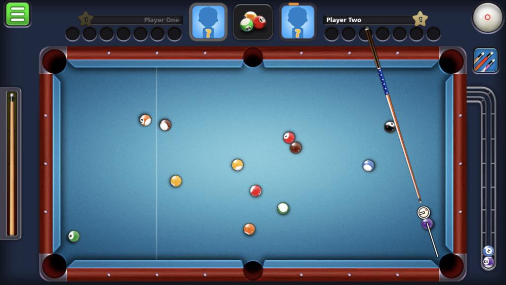 Miniclip 8 Ball Pool double kiss example